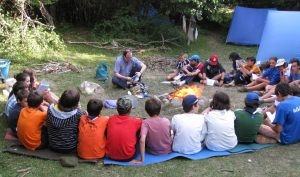 De Velada en un campamento